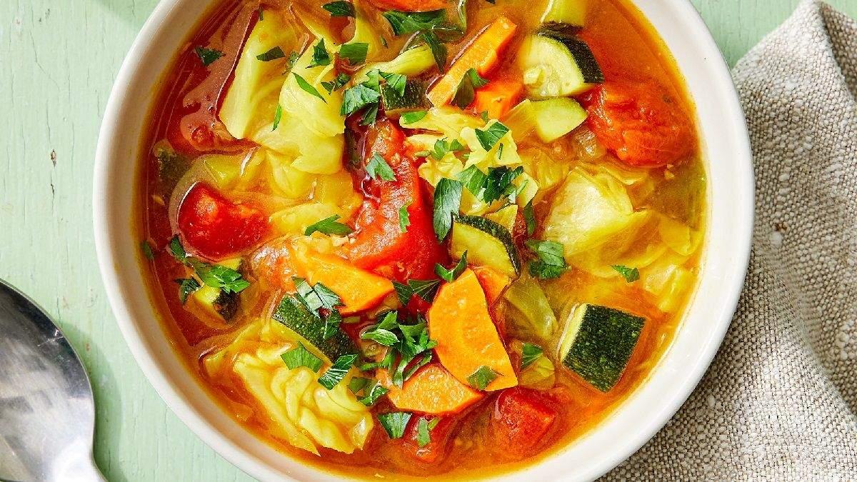 Зігріє та заспокоїть: капустяний суп з імбиром - Здорово