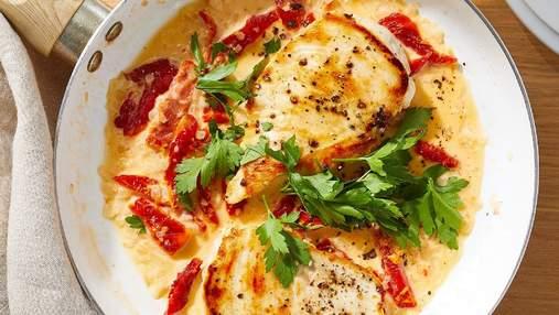 Корисна смакота: приготуйте апетитні курячі котлети у томатно-вершковому соусі